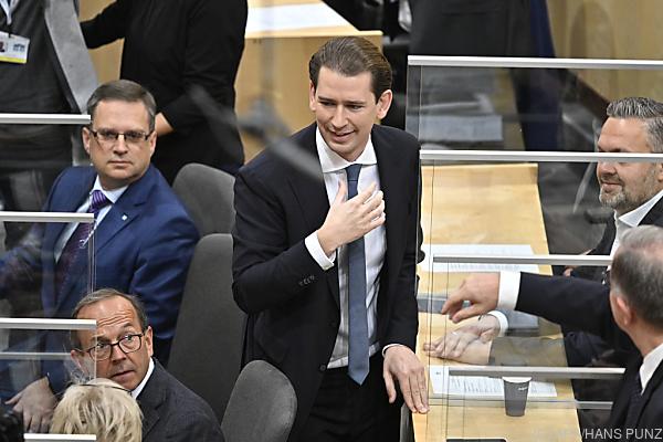 Auf dem Bild sieht man ÖVP-Klubobman Sebastian Kurz im Nationalrat.